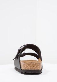 Birkenstock - ARIZONA SOFT FOOTBED NARROW FIT - Sandaler - black - 3