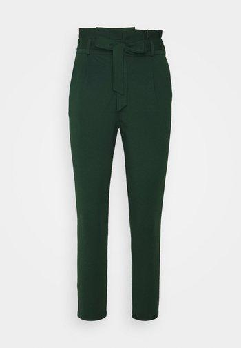VMEVA LOOSE PAPERBAG PANT - Trousers - pine grove