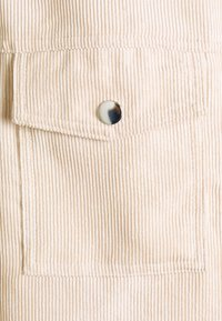 Nly by Nelly - CROPPED - Button-down blouse - beige - 2
