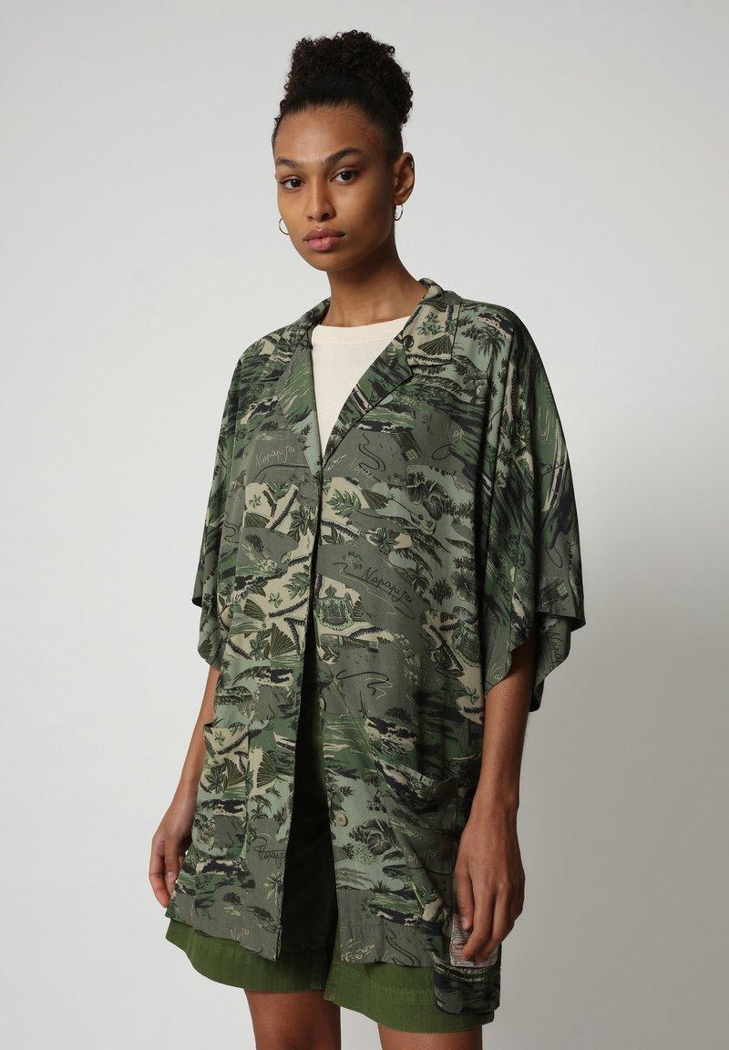 Napapijri - G-MAUI - Button-down blouse - camo green