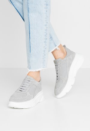 CPH61 - Trainers - light grey