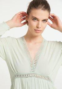 DreiMaster - Maxi dress - minze - 4