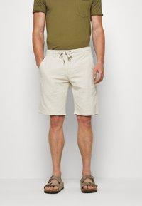 Lindbergh - Shorts - light sand - 0