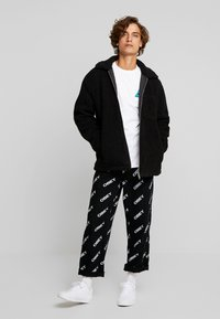 Weekday - RUSS PILE JACKET - Fleecejakker - black - 1