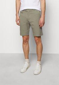 Les Deux - COMO LIGHT - Shorts - lichen green - 0