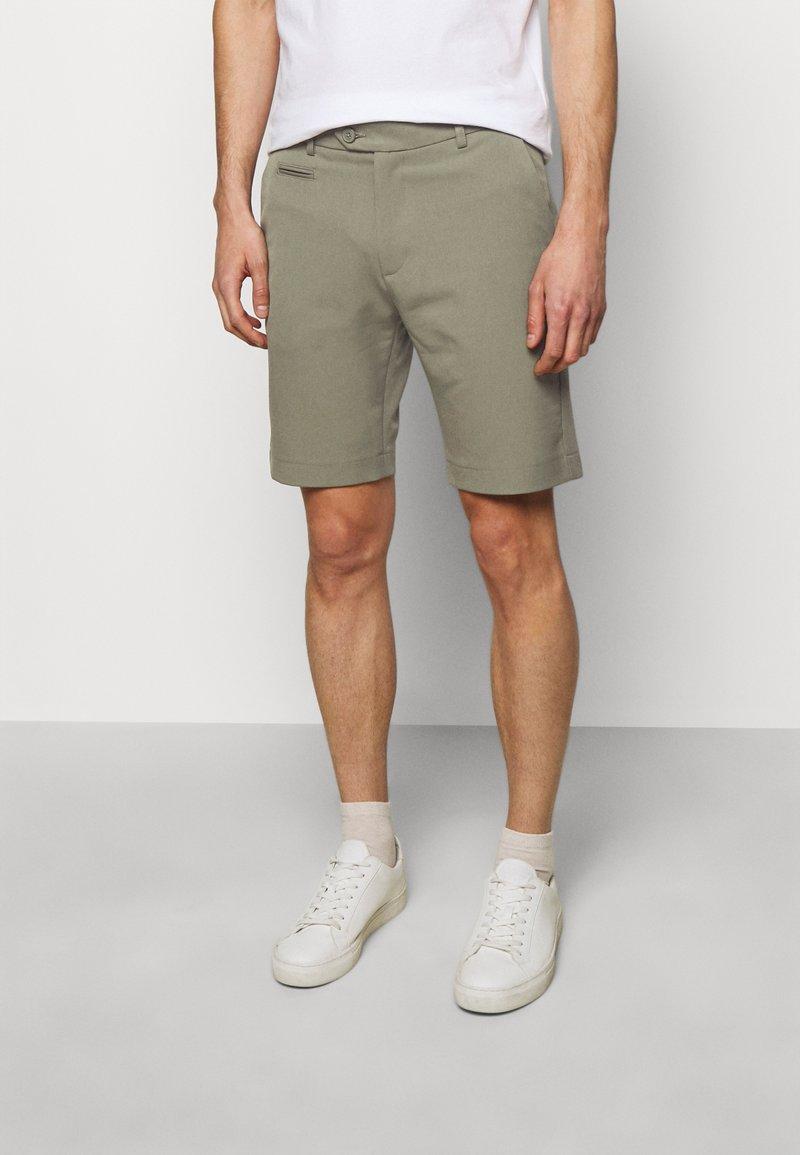 Les Deux - COMO LIGHT - Shorts - lichen green