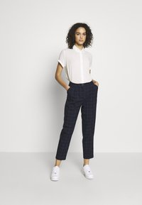 Monki - TARJA TROUSERS - Bukse - blue dark