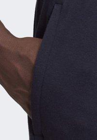 adidas Performance - MUST HAVES BADGE OF SPORT SHORTS - Short de sport - blue - 5