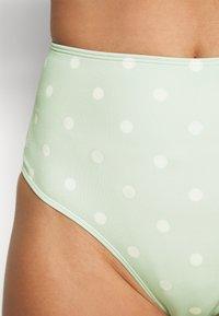 Monki - AZAMI BRA CECILIE CHEEKY - Bikini - green/white - 3