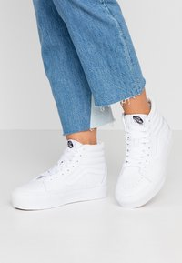 Vans - SK8 PLATFORM  - Sneaker high - true white - 0