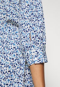 MY TRUE ME TOM TAILOR - SHIRT DRESS WITH BELT - Shirt dress - blue aquarelle - 3