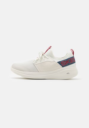 GO RUN FAST - Laufschuh Neutral - white/blue/red