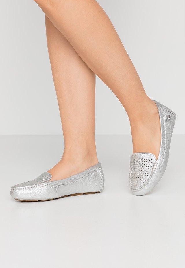 BEV - Loaferit/pistokkaat - silver