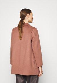 Theory - CLAIRENE LUXE NEW - Classic coat - dark rose - 2