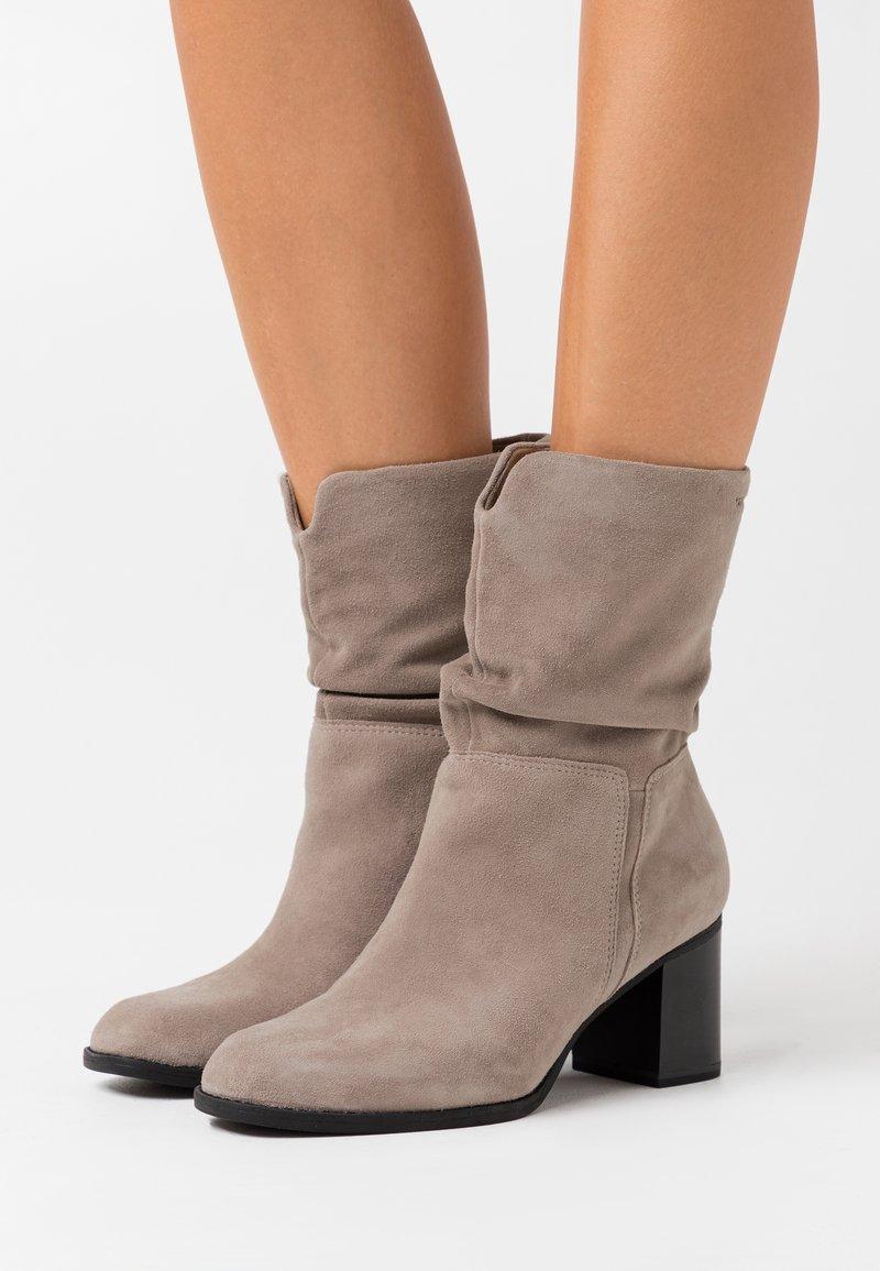 Tamaris - Boots - mud