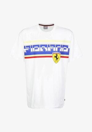 FERRARI STREET - Print T-shirt - puma white