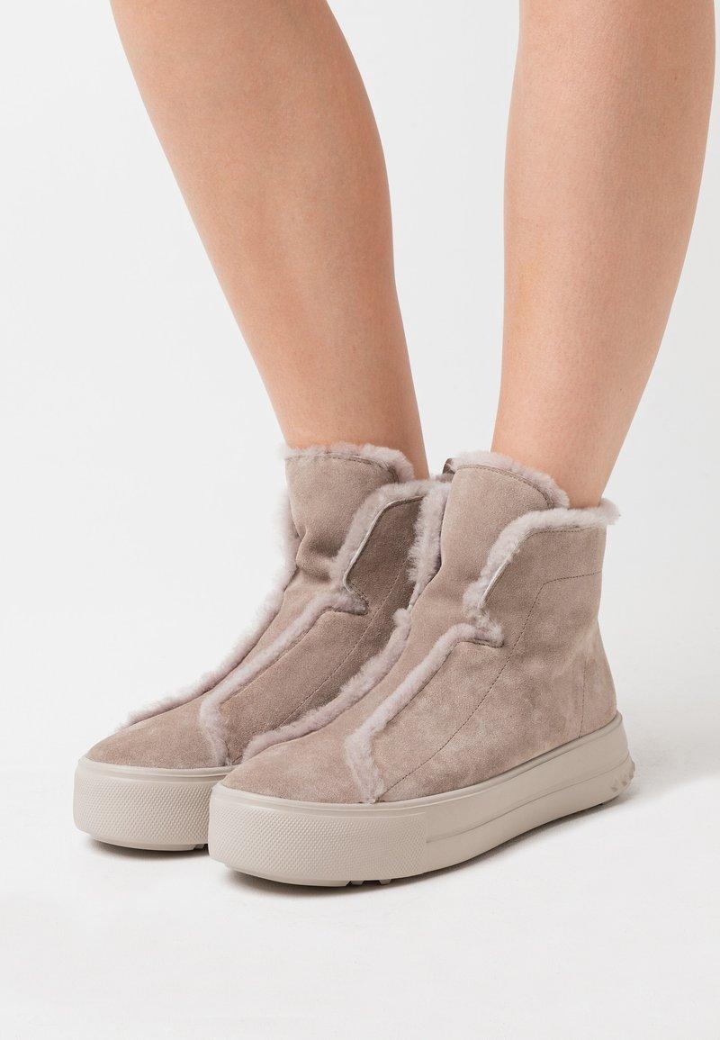 Kennel + Schmenger - MEGA - Ankle boots - ombra/natur