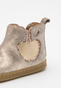 Shoo Pom - BOUBA NEW APPLE - Classic ankle boots - taupe/platine - 5