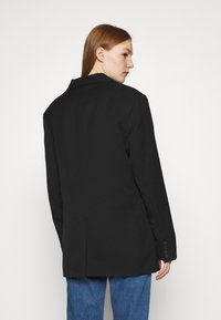 Monki - BLUSH SCALE UP - Short coat - black dark - 2