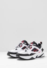 Nike Sportswear - M2K TEKNO - Baskets basses - white/black/university red - 2