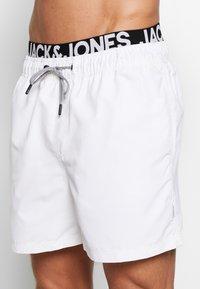 Jack & Jones - ARUBA - Shorts da mare - white - 3