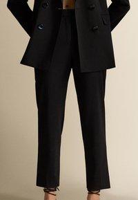 Massimo Dutti - Trousers - Black - 0