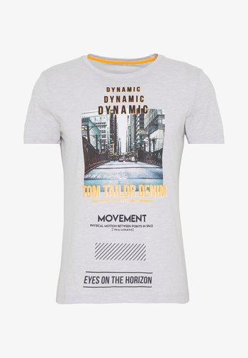 FOTOPRINT ON STRIPED TEE - Print T-shirt - grey