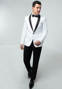 dobell - TUXEDO - Suit jacket - white - 1