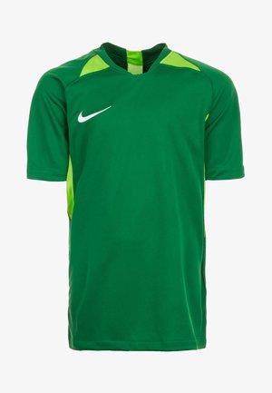 STRIKER  - Print T-shirt - pine green/action green/white