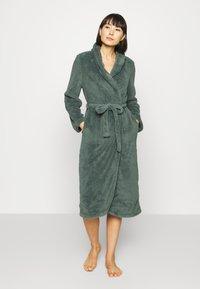 Hunkemöller - ROBE LONG SNUGGLE - Dressing gown - balsam green - 1