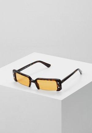 GIGI HADID SOHO - Occhiali da sole - dark havana