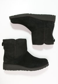 UGG - KRISTIN - Wedge Ankle Boots - black - 2