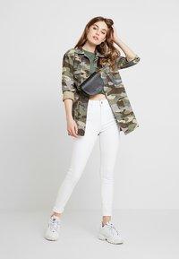Topshop - JAMIE NEW - Jeans Skinny Fit - white - 1