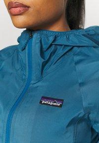 Patagonia - DIRT ROAMER - Chaqueta Hard shell - steller blue - 5