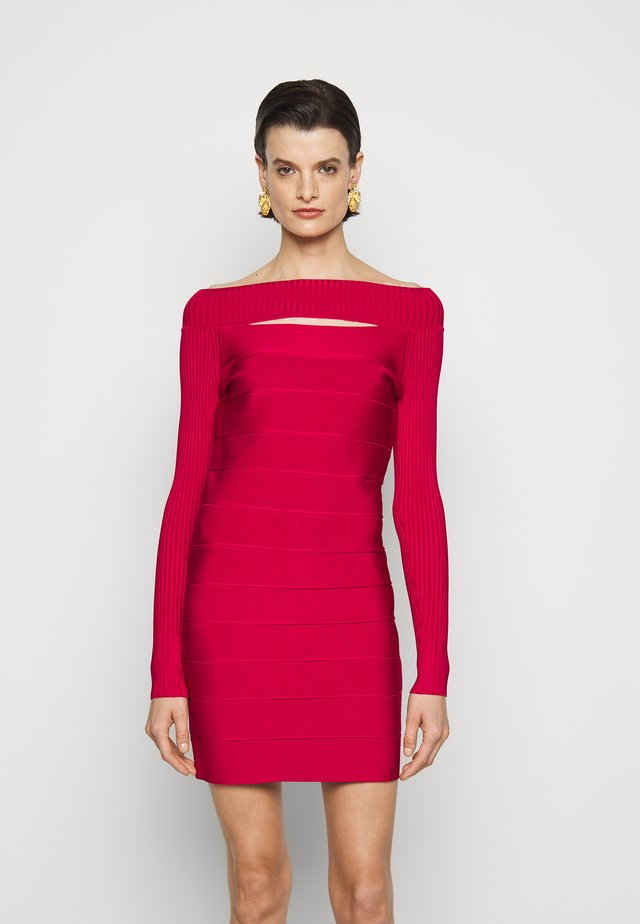 BANDAGE CUTOUT BOAT NECK MINI DRESS - Pouzdrové šaty - dark crimson