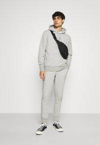 Tommy Hilfiger - Pantaloni sportivi - medium grey heather - 1