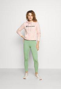 Champion - HOODED  - Sweatshirt - pink - 1