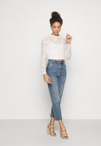 ONLY Petite - ONLJANINA CROPPED - Blouse - cloud dancer - 1
