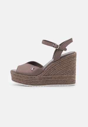 WEDGE ANKLE STRAP  - Sandales à plateforme - dusty brown