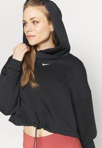 Nike Performance - HOODIE - Bluza z kapturem - black/metallic silver - 3