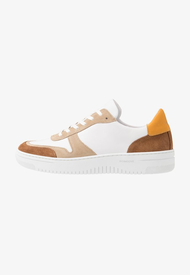EVOC - Sneakers basse - tan/white