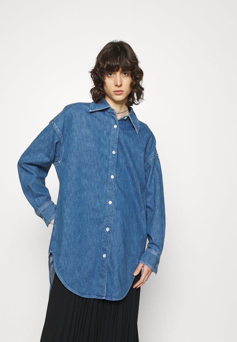 ARKET - SHIRT - Skjorta - mid blue wash