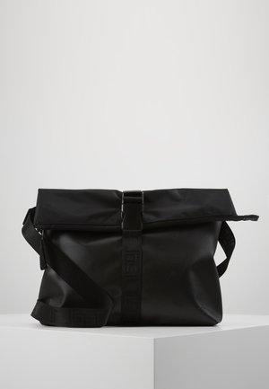 TOLJA SHOULDER BAG - Taška spříčným popruhem - black