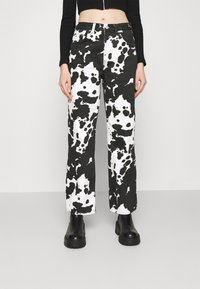 Topshop - COW PRINT RUNWAY - Relaxed fit jeans - black/white - 0