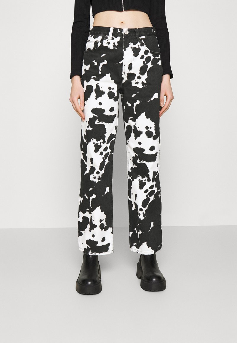 Topshop - COW PRINT RUNWAY - Relaxed fit jeans - black/white