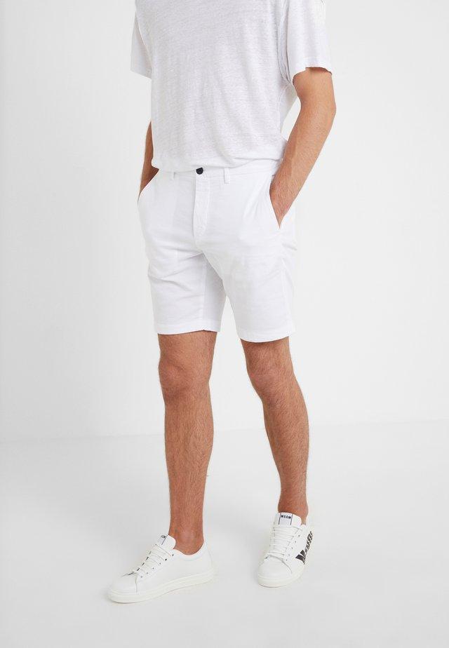 ZAINE PATTON - Shorts - white
