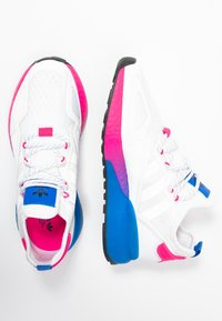 adidas Originals - ZX 2K BOOST  - Zapatillas - footwear white/shock pink - 3