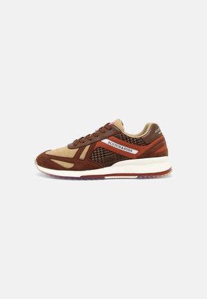 VIVEX  - Sneakers laag - brown