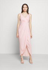 Forever New Petite - VICTORIA WRAP DRESS PETITE - Suknia balowa - blush - 1