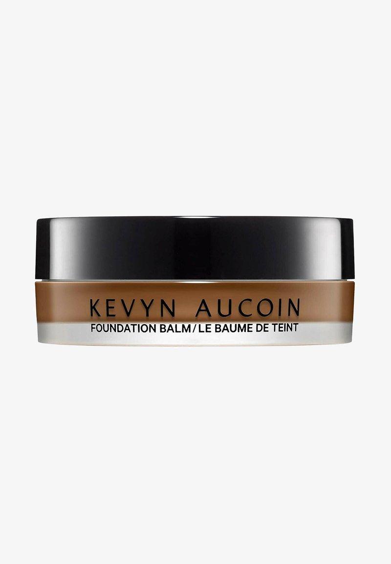 Kevyn Aucoin - KEVYN AUCOIN FOUNDATION THE FOUNDATION BALM - DEEP FB 16 - Foundation - -